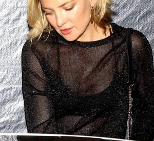 Kate Hudson dévoile sa lingerie.