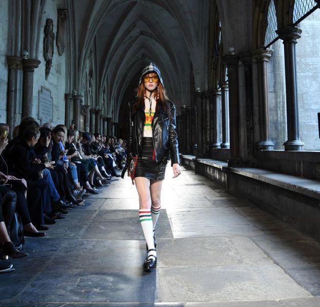 Le défilé Gucci Croisière s'est tenu à Londres le 2 juin 2016.