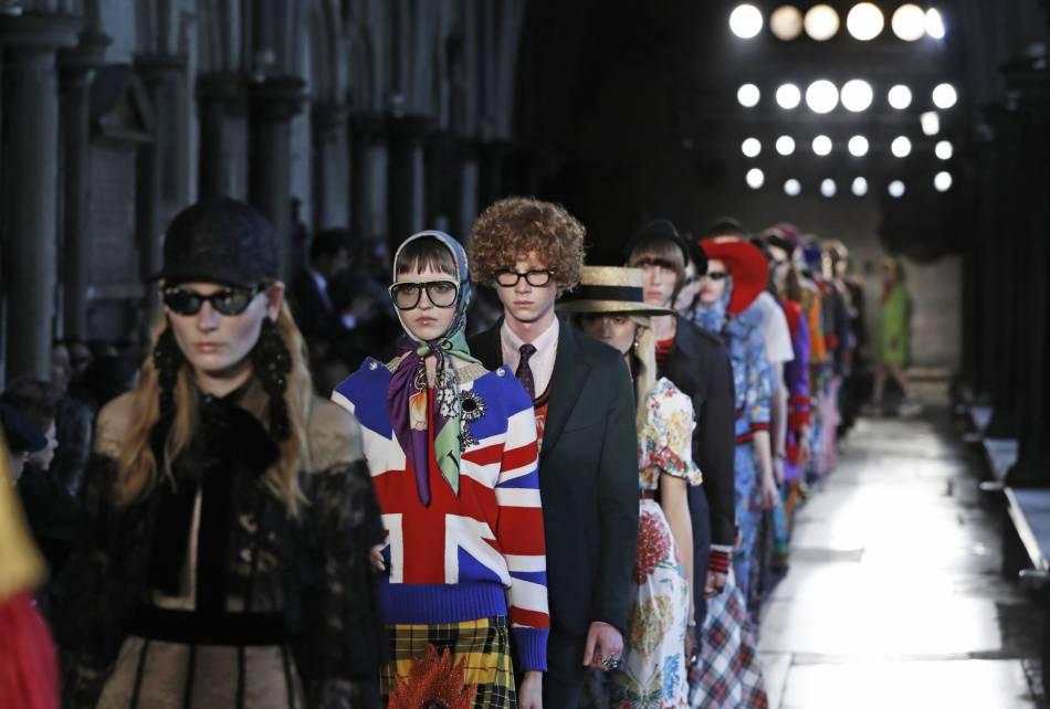 Le défilé Croisière de Gucci est d'une originalité rare.