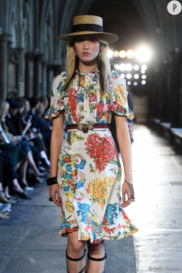 Robe ceinturée et ourlets volantés, rien n'est laissé au hasard sur cette robe Gucci.