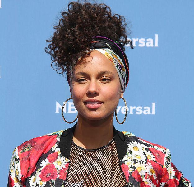 Alicia Keys prend la pose sans maquillage sur le red carpet !