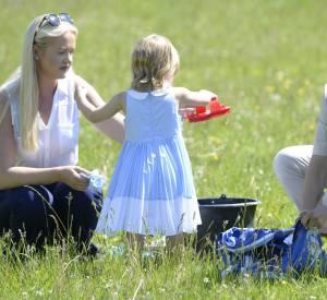 Madeleine de Suède avec sa fille Leonore 2 ans.
