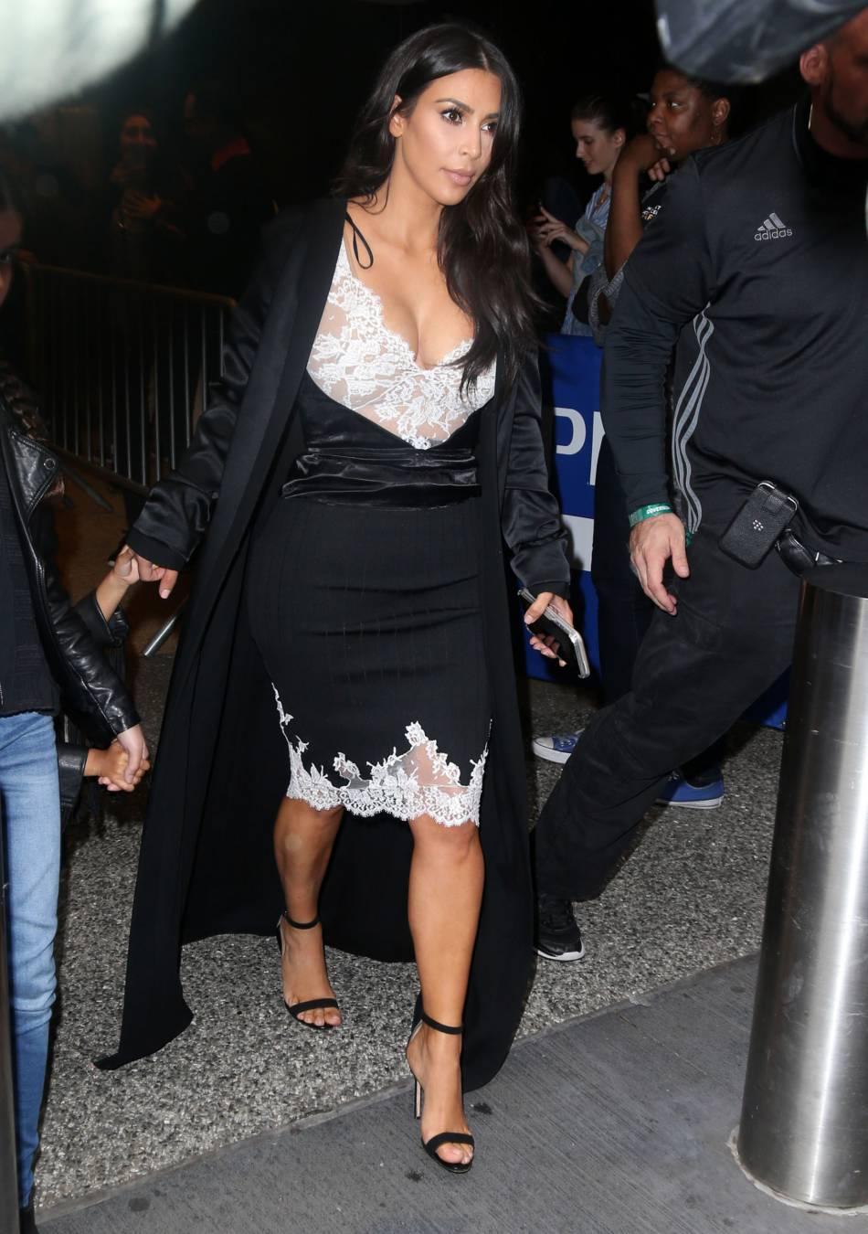 Kim Kardashian, la nuit dans les rues de New York.