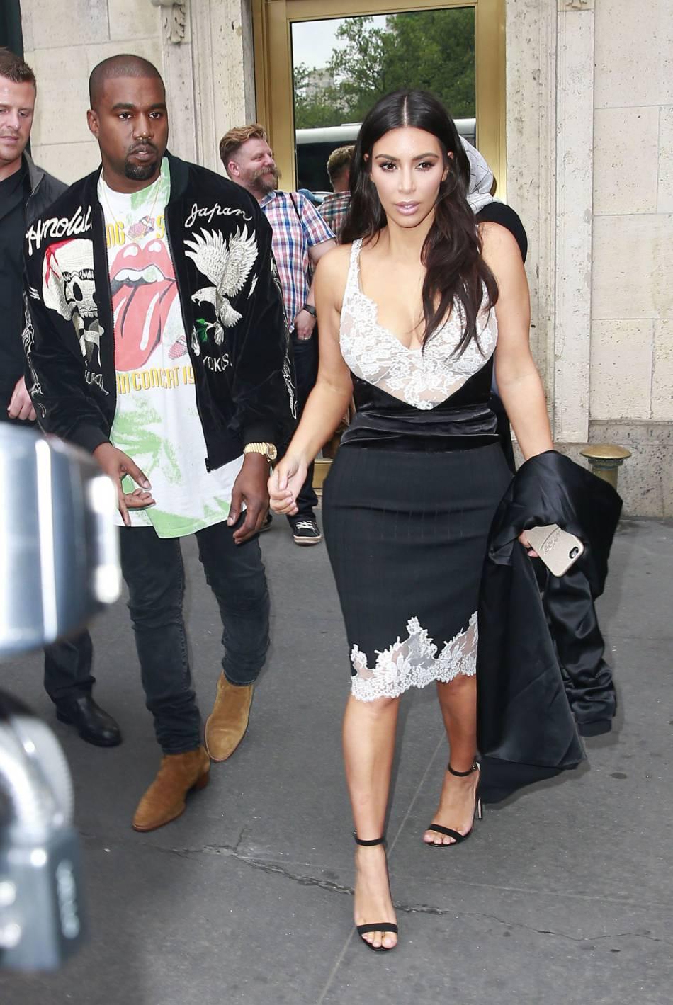Kim Kardashian accompagné de son mari Kanye West.
