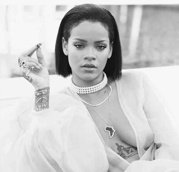 Rihanna est en vacances à la Barbade : la chanteuse nous offre un shooting hyper sexy.