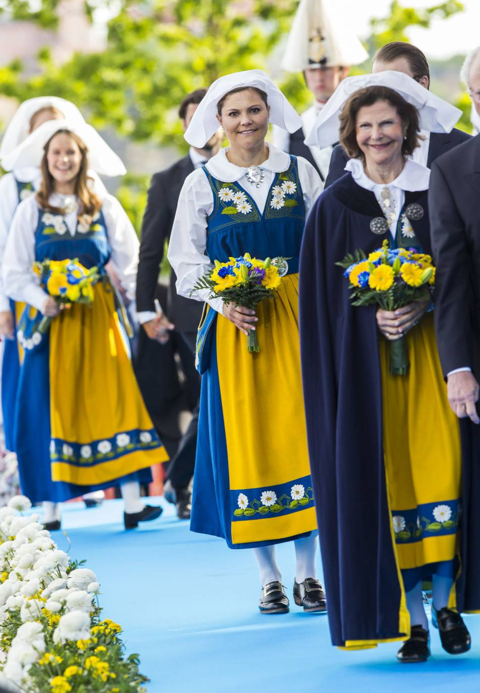 Les femmes de la famille royale de Suède ont revêtu l'habit traditionnel.