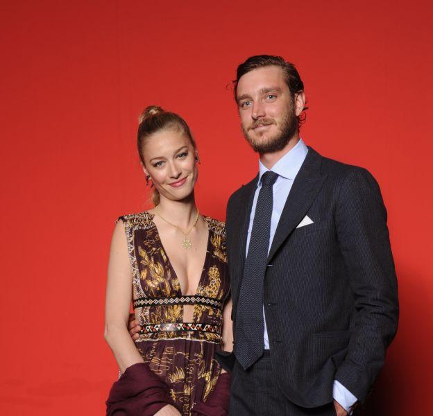 Pierre Casiraghi et Beatrice Borromeo, tous les deux parfaitement apprêtés pour la soirée de lancement de l'event mode milanais Convivio. Madame était habillée en Valentino.
