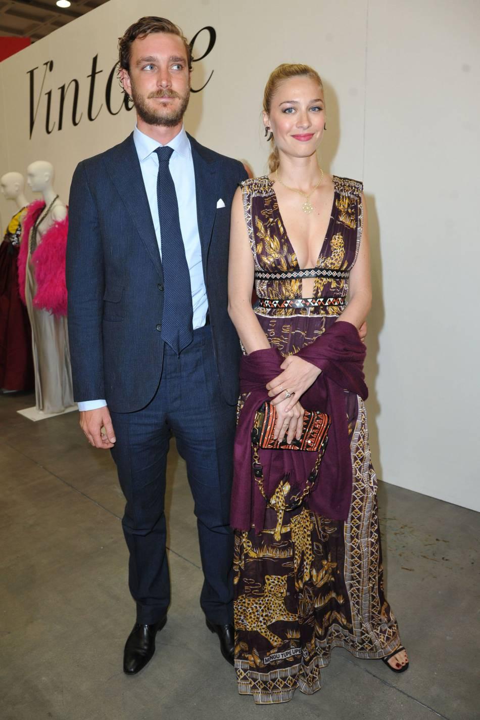 Pierre Casiraghi et sa femme Beatrice Borromeo : un couple assorti et très chic, pour une soirée sélect à Milan.