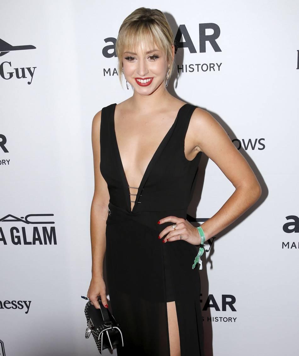 Fendue et décolletée, la robe noire choisie par Jazmin Grace Grimaldi a retenu l'attention lors du gala de l'amfAR de New York, ce 9 juin 2016.