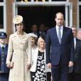 Le prince William et Kate Middleton à une garden party au château de Hillsborough, en Irlande du Nord, le 14 juin 2016.
