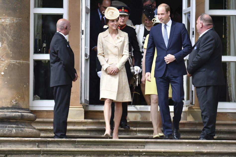 Kate et William ont enchainé visite à l'ambassade américaine et garden party en Irlande la même journée !