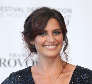 Laetitia Milot arbore un décolleté pigeonnant à Monte-Carlo, au 56e festival de la télévision.