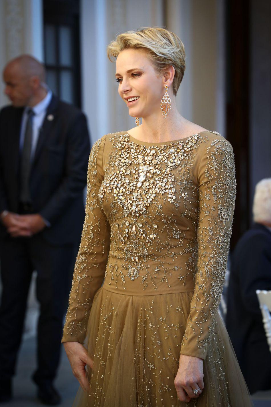 Charlène Cocktail Précieuse En De Princesse MonacoUne Dos Robe dBeCxro