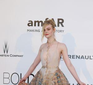 Elle Fanning et sa robe paon.