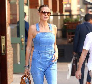 Le top Heidi Klum dans un style chic et décontacté.