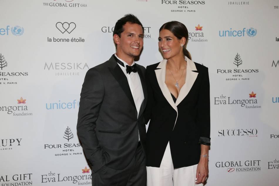 Laury Thilleman faisait une apparition avec son petit ami Juan Arbelaez au Global Gift Gala.