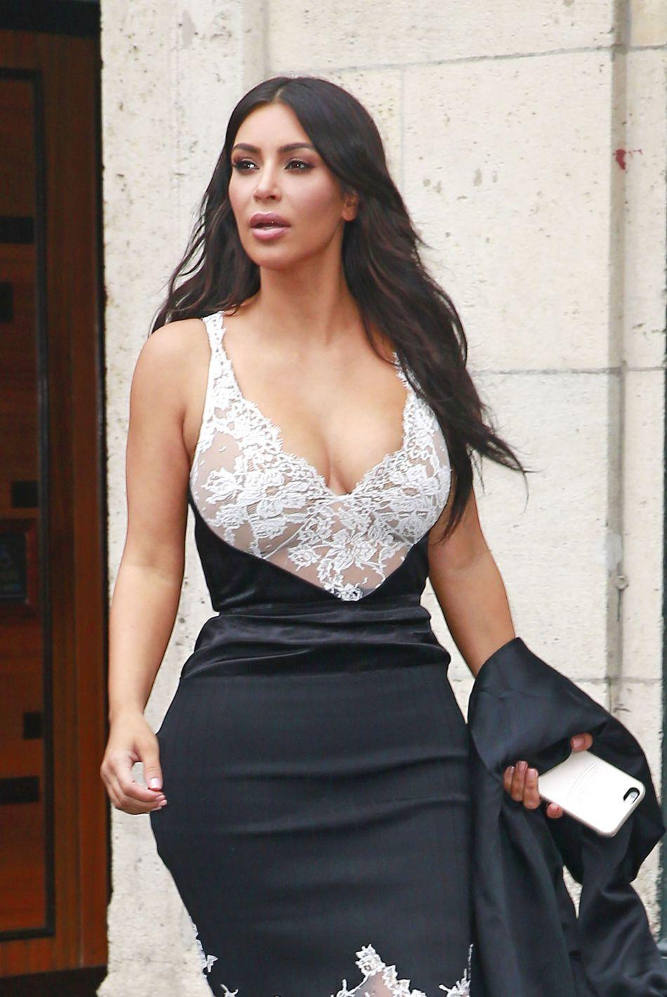 Kim Kardashian semble blessée par l'annonce des fiançailles...