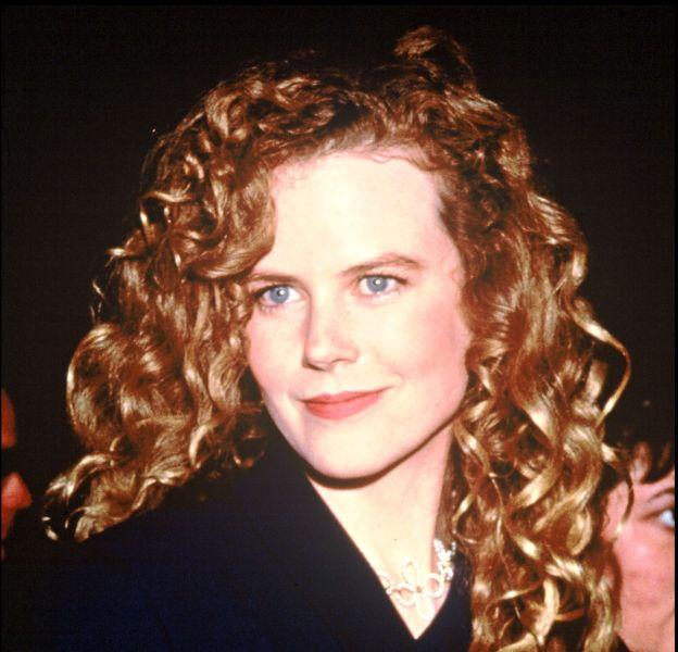 Nicole Kidman en 1993. Elle est alors la jolie rousse qui fait tourner les têtes à Hollywood.