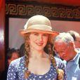 """A la première de """"La Firme"""", dans lequel joue son époux, Tom Cruise, Nicole Kidman opte pour le look """"La petite maison dans la prairie""""."""