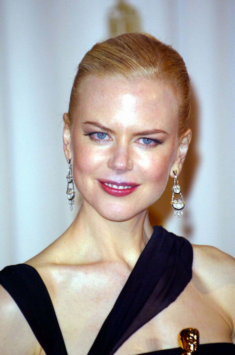 En 2003, c'est une Nicole Kidman très tirée qui prend la pose aux Oscars.