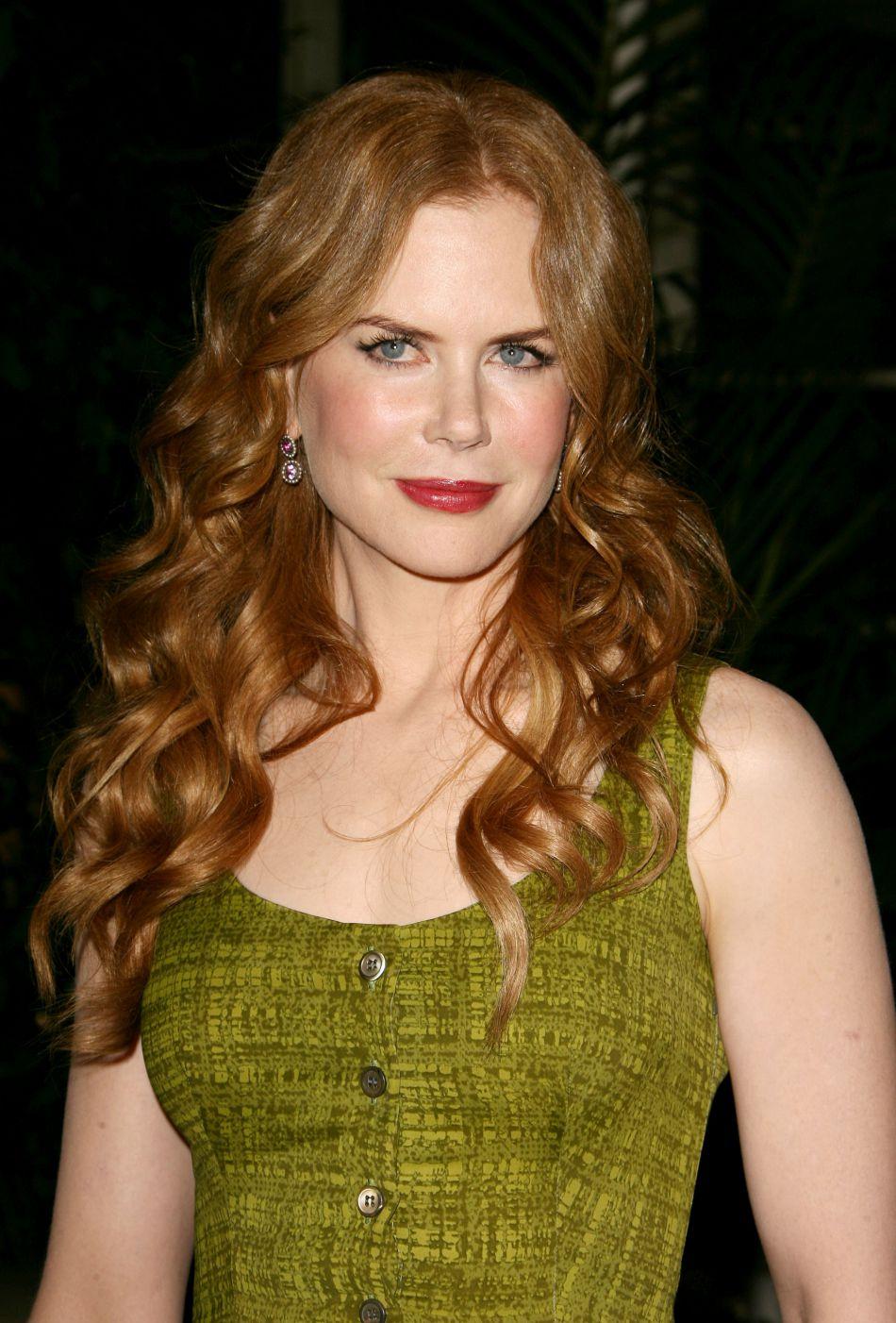 Après le blond, Nicole Kidman revient à son roux d'origine. Son teint, lui, n'a pas retrouvé sa fraîcheur des débuts.
