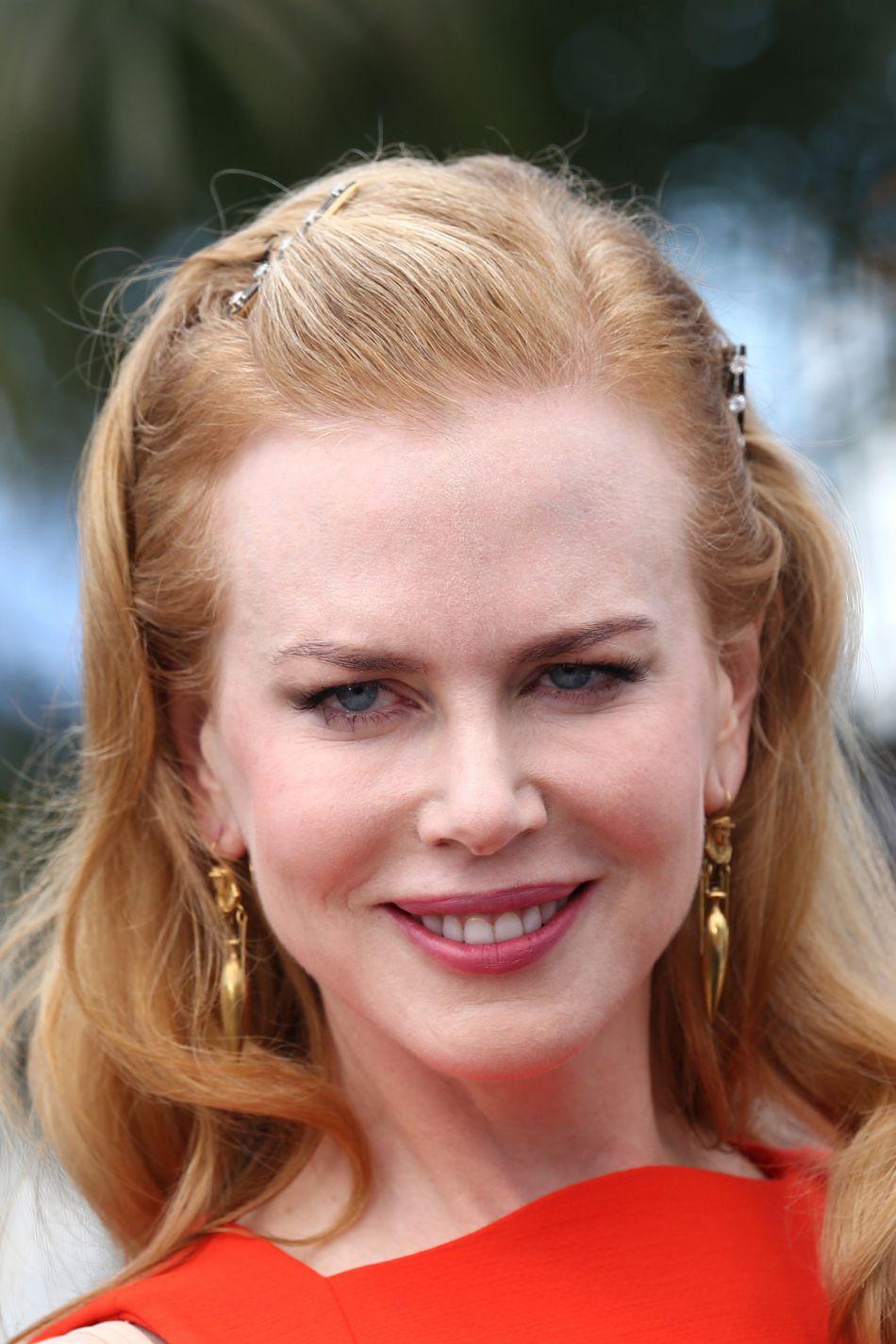 Plus liftée que jamais au Festival de Cannes 2012, Nicole Kidman n'a pas l'air d'avoir abandonné les injections.
