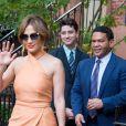 Jennifer Lopez a presque montré ses dessous à Manhattan, le lundi 20 juin.