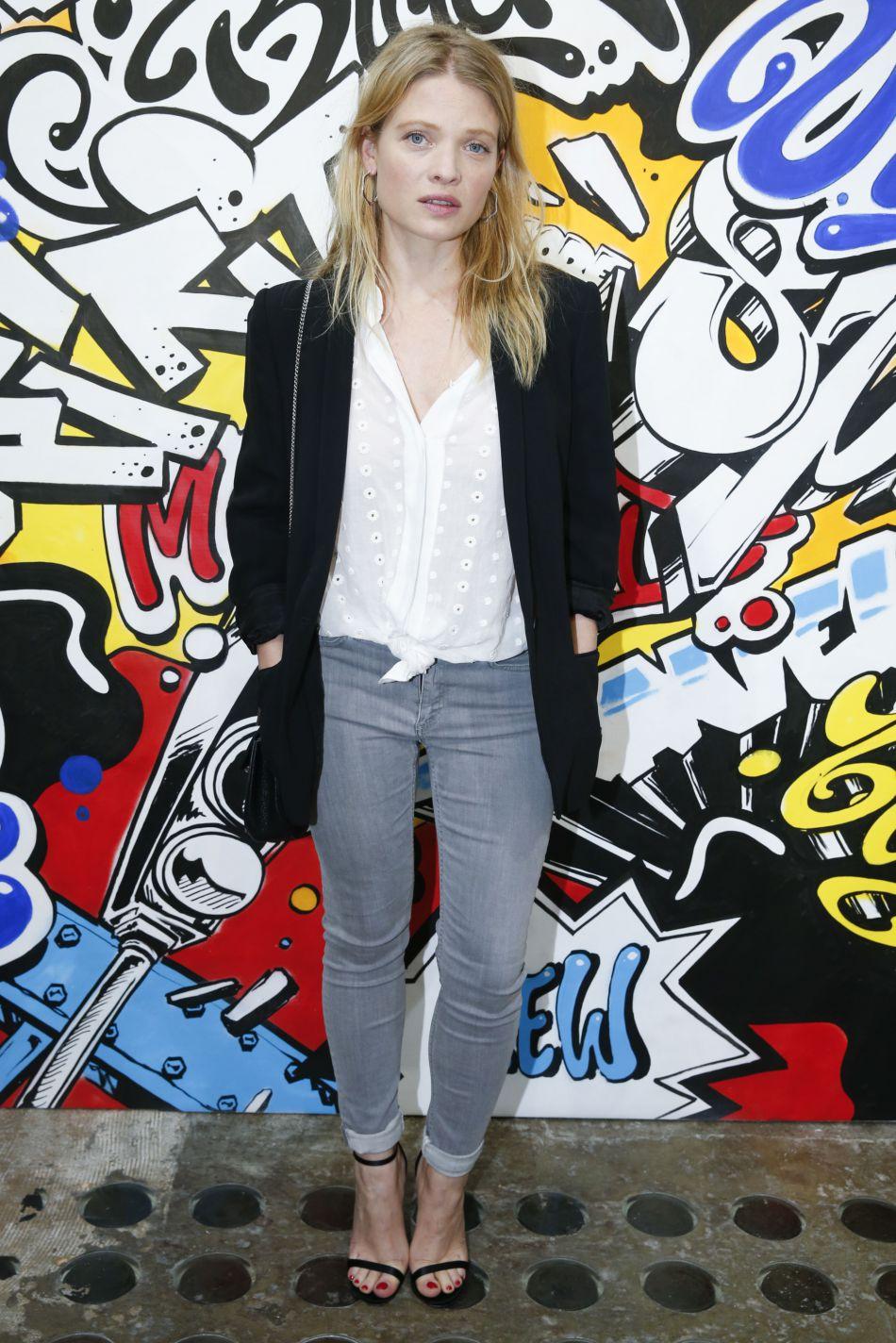 Mélanie Thierry a opté pour un look à la fois chic et cool.