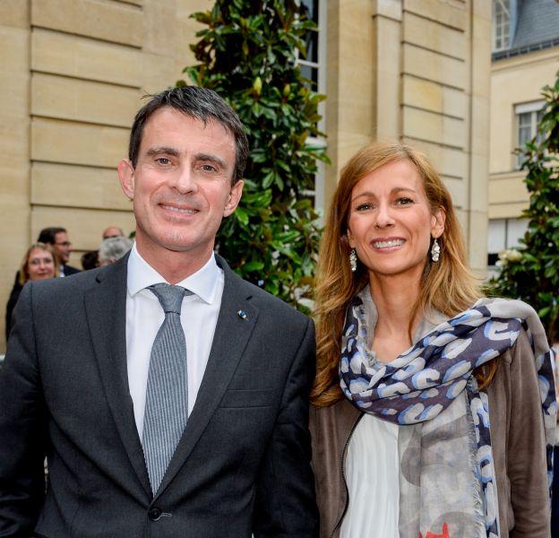 Le Premier ministre Manuel Valls et sa femme Anne Gravoin lors de la 35ème fête de la musique à l'hôtel Matignon à Paris, le 21 juin 2016.