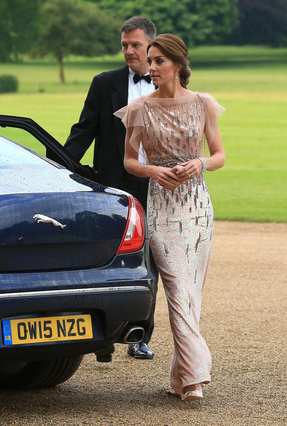 La duchesse de Cambridge a reyclé l'une de ses robes de soirée Jenny Packham, portée une première fois en 2011.