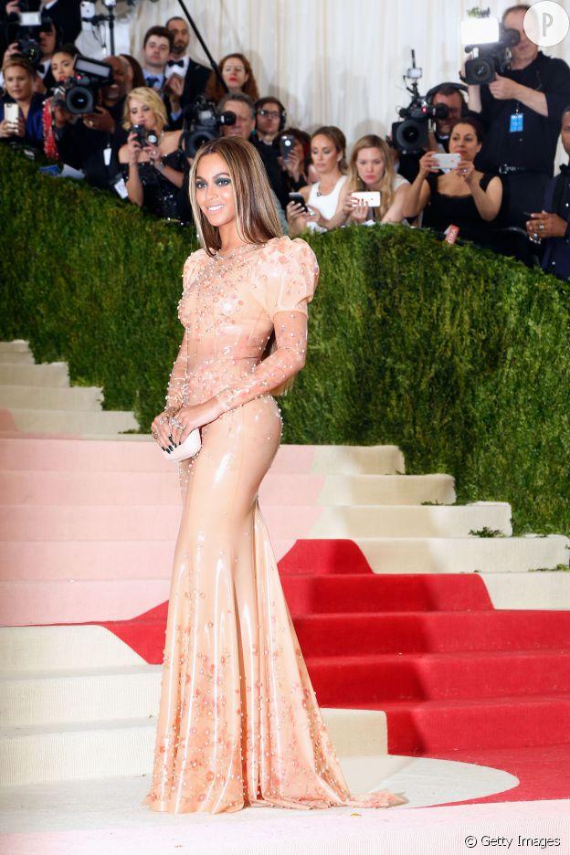 La robe seconde peau de Beyoncé au gala du MET.