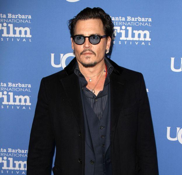 Johnny Depp est en vacances sur son île aux Bahamas depuis deux semaines.