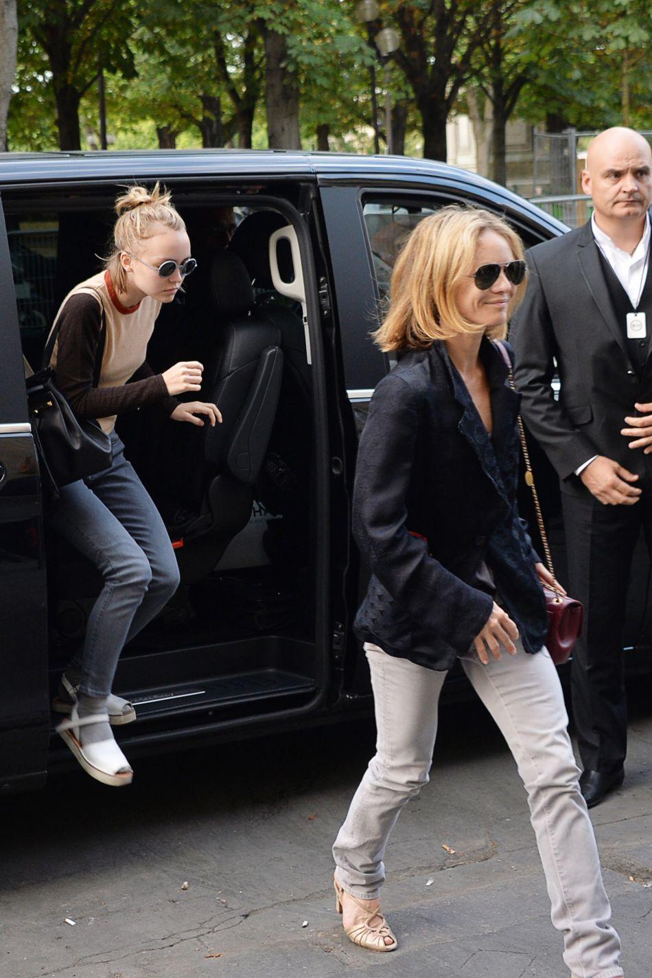 Vanessa Paradis et Lily-Rose Depp étaient les premières à prendre la défense de Johnny Depp après les accusations de violences.