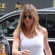 Jennifer Aniston en tenue casual dans les rues de New York.