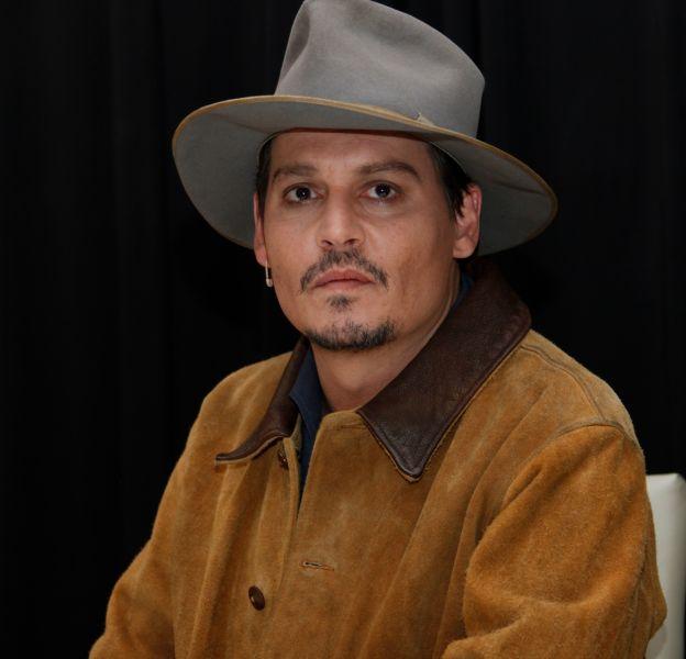Johnny Depp a reçu l'aide de Winona Ryder dans l'affaire des violences conjugales dont il est accusé.