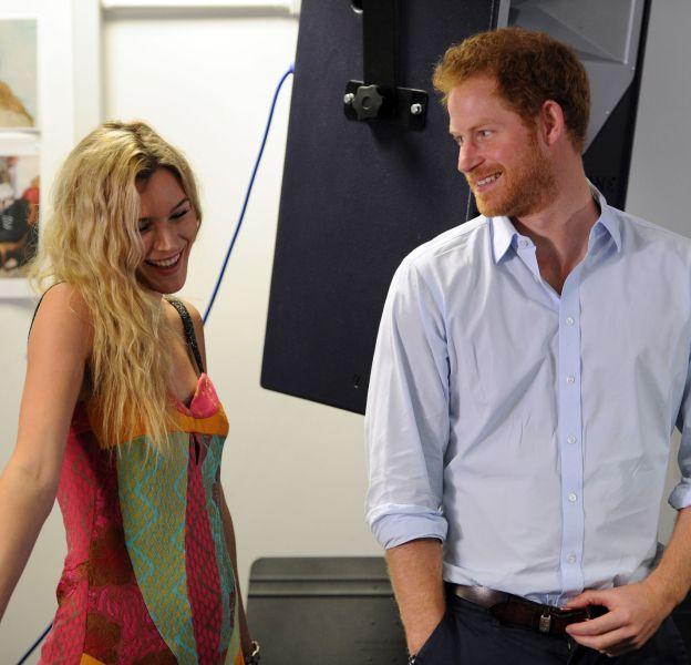 Joss Stone et le prince Harry se sont montrés très complices.
