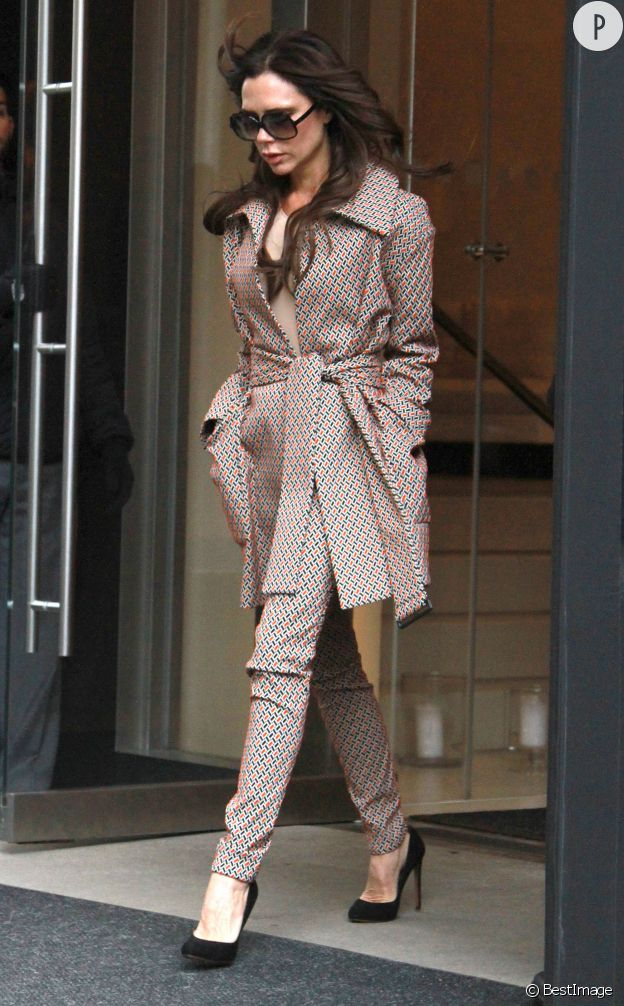 L'ensemble total look de Victoria Beckham est ultra-désirable.