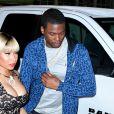 Nicki Minaj sort le grand jeu et son plus beau décolleté.