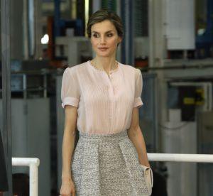 Letizia d'Espagne : jupe et talons hauts même pour aller à l'usine