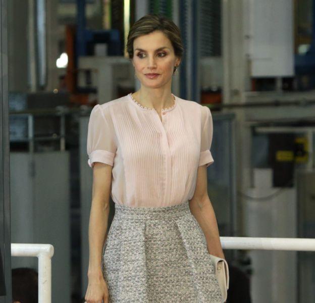 Letizia d'Espagne a recyclé une de ses jupes favorites.