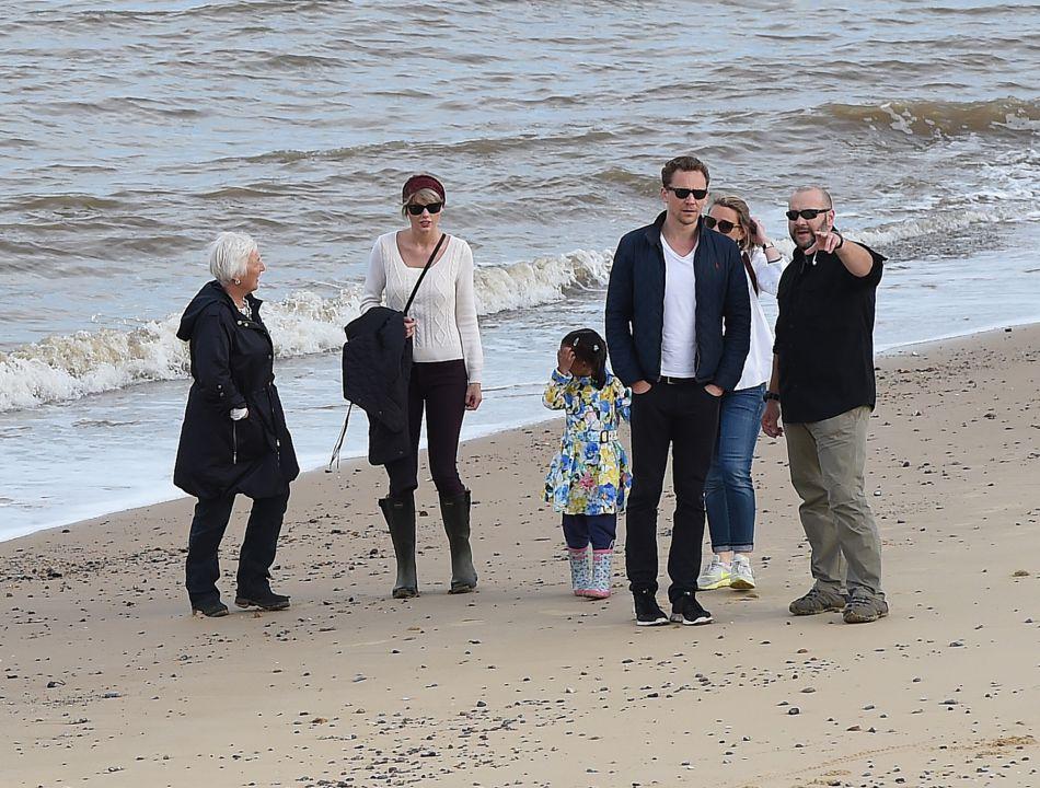 L'acteur a présenté la jeune femme à sa famille.