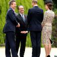 Le duc et la duchesse de Cambridge ont salué David Cameron et le président François Hollande à leur arrivée au mémorial de Thiepval.