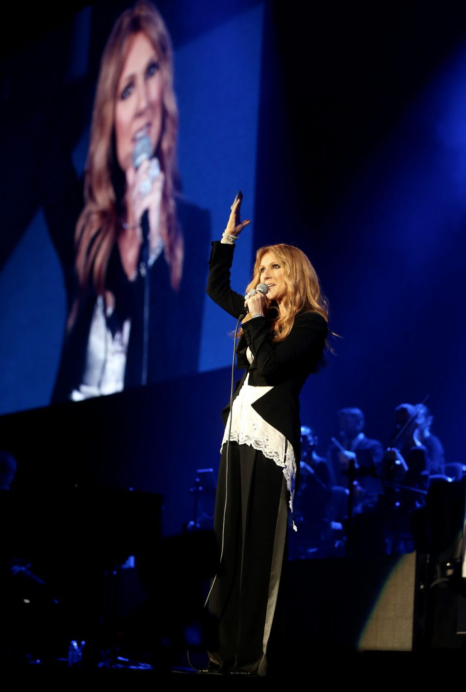 La chanteuse assure actuellement une série de concerts à l'AccorHotels Arena de Paris jusqu'au 9 juillet.