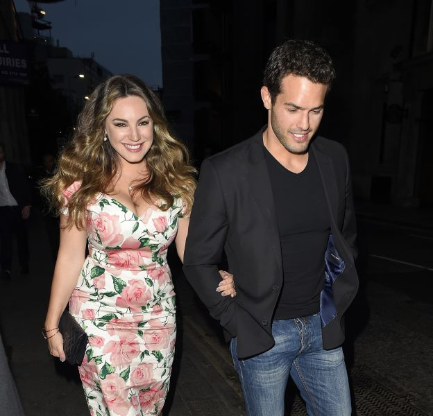 Kelly Brook en compagnie de son petit ami, Jeremy Parisi.