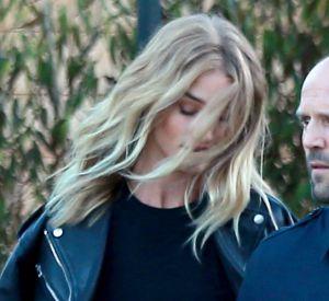 Jason Statham et sa fiancée Rosie Huntington-Whiteley le 3 juillet 2016 à Malibu.