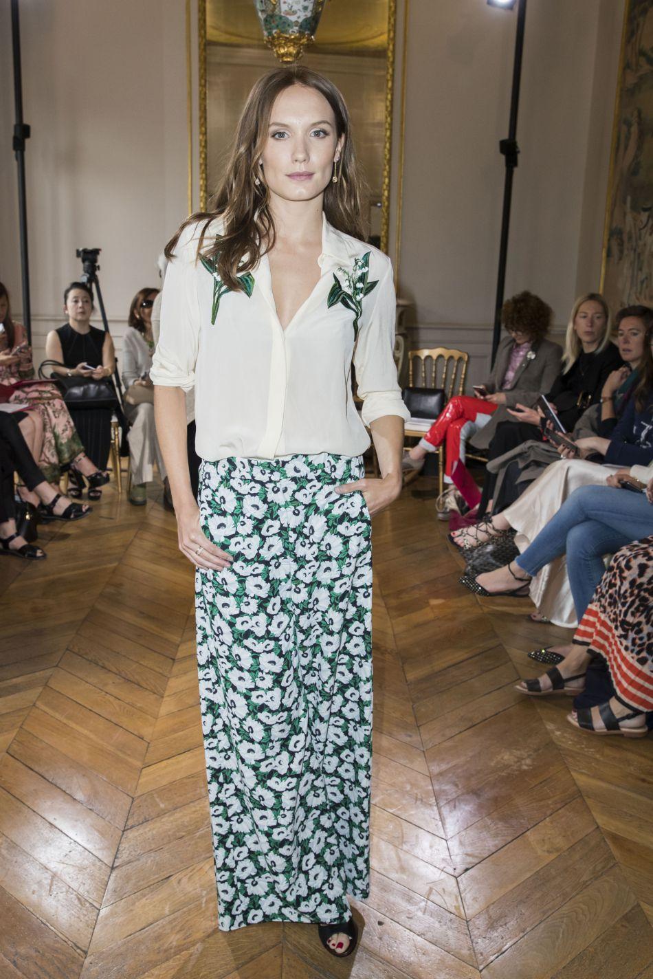 Ana Girardot, jolie comme un coeur chez Boucheron, dans un look 100% fleuri.