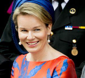 Mathilde de Belgique : la reine ose le mix orange et bleu
