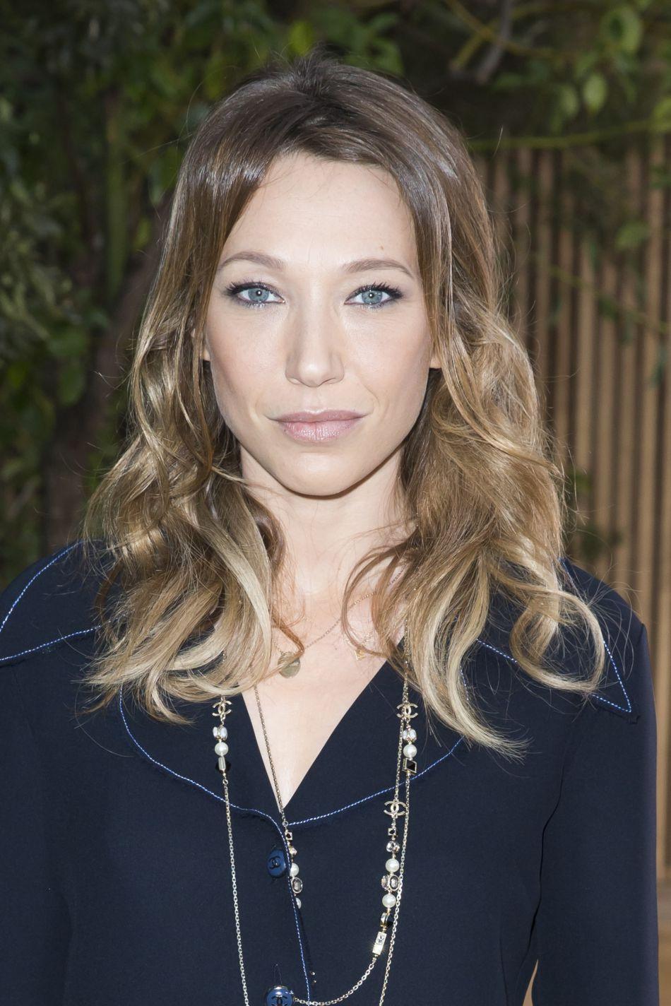 Laura Smet se dévoile dans un shooting photos publié dans le magazine  Le Point .