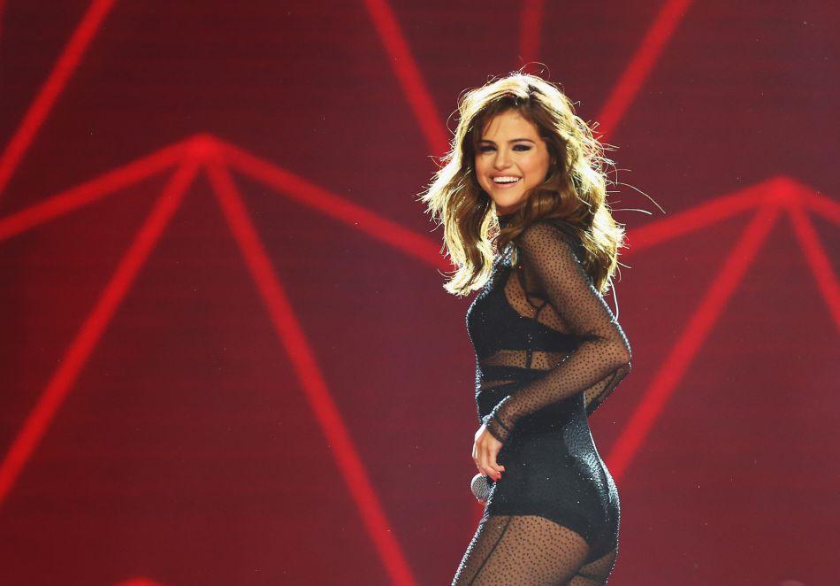 Selena Gomez a atteint les 100 millions de followers sur Instagram.