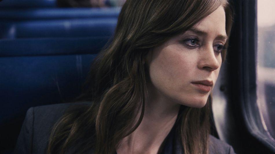 Alcoolique, paumée, Rachel (Emily Blunt) prend le train tous les jours.